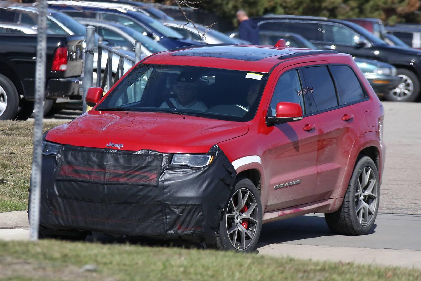 2019 Jeep Grand Cherokee >> 2018 Jeep Grand Cherokee Trackhawk First Spy Shots - GTspirit