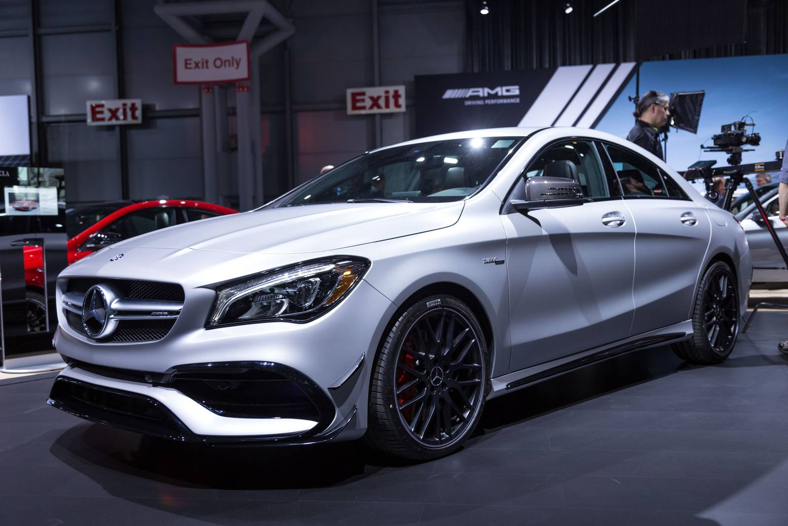 new york 2016 mercedes amg cla 45 gtspirit. Black Bedroom Furniture Sets. Home Design Ideas
