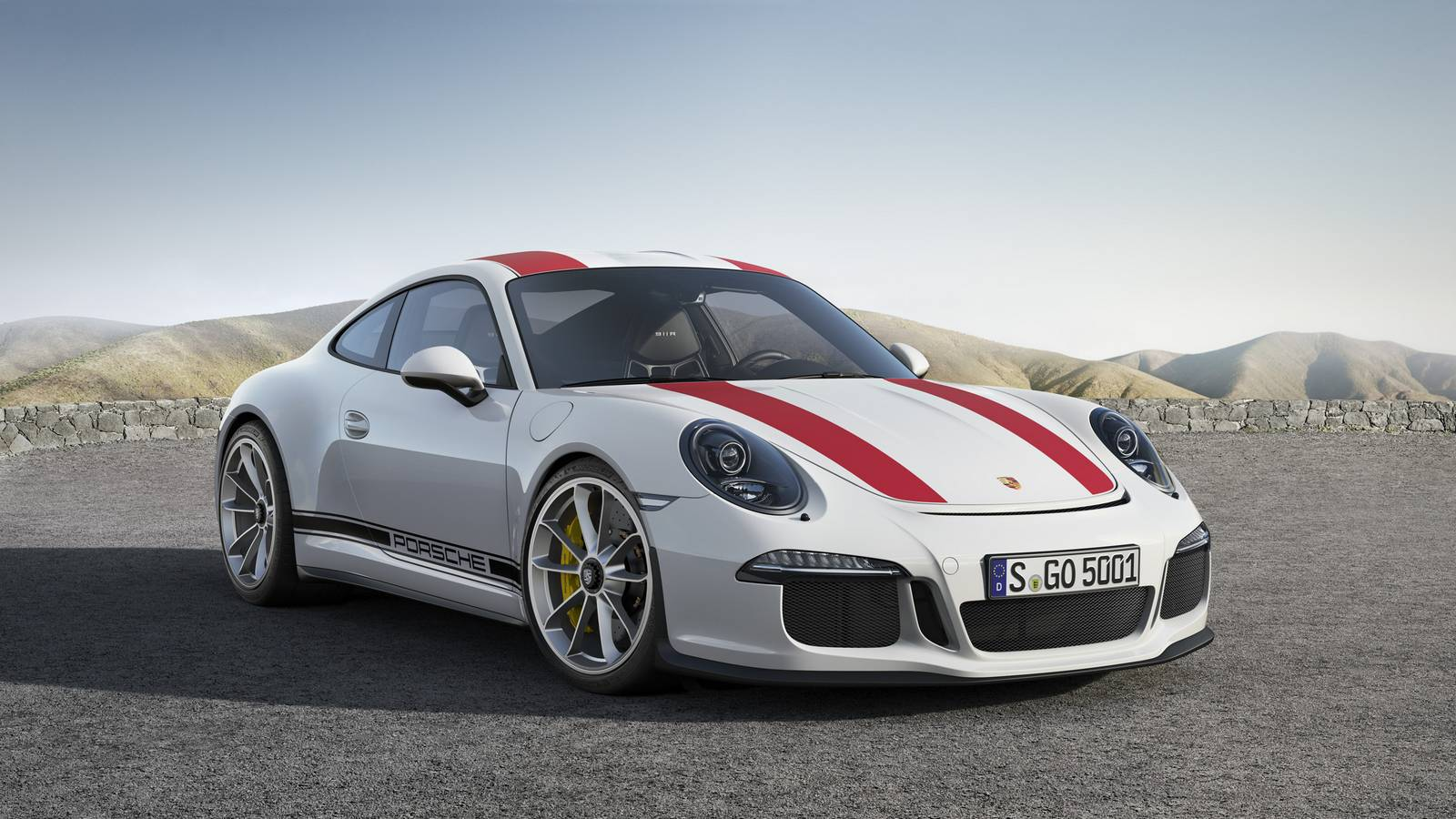 Official: 2017 Porsche 911 R - GTspirit