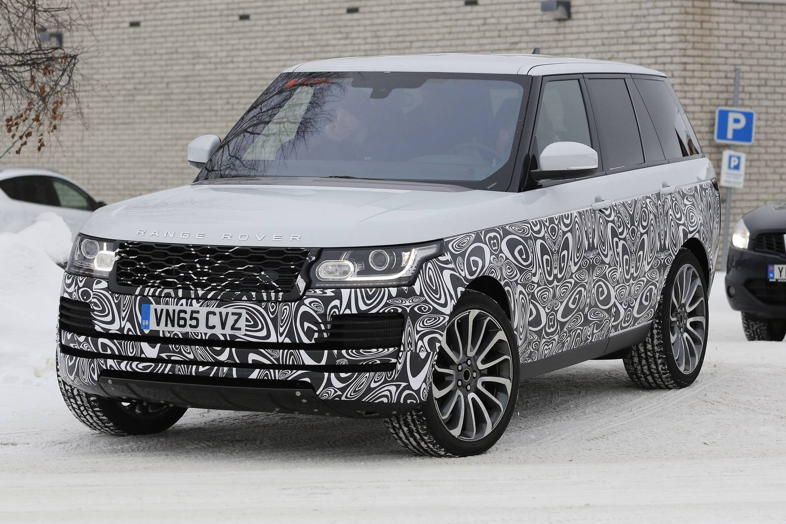 Range Rover Facelift Spy Shots Supercar