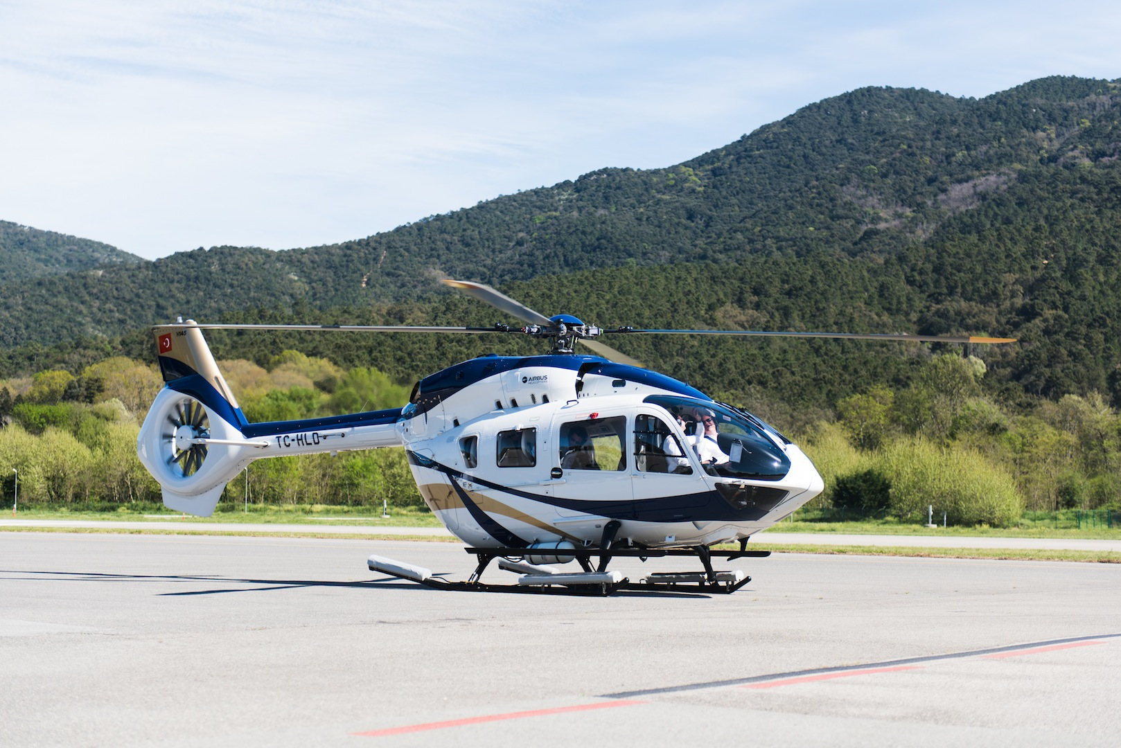 bell helicopter cost with Airbus Helicopters H145 By Mercedes Benz Style Review on Showthread additionally Nintendo Of America Headquarters likewise 22533 as well Airbus Helicopters H145 By Mercedes Benz Style Review together with 955.