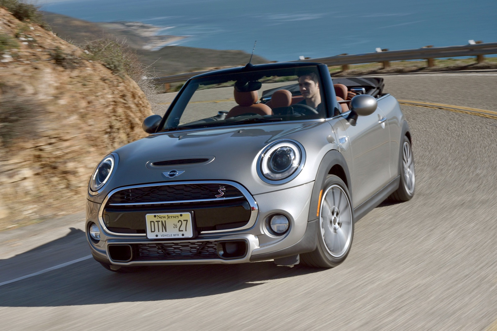 2016 mini cooper s cabriolet review gtspirit. Black Bedroom Furniture Sets. Home Design Ideas