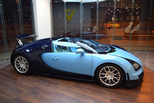 1 of 3 bugatti veyron jean pierre wimille edition for sale in saudi arabia gtspirit. Black Bedroom Furniture Sets. Home Design Ideas