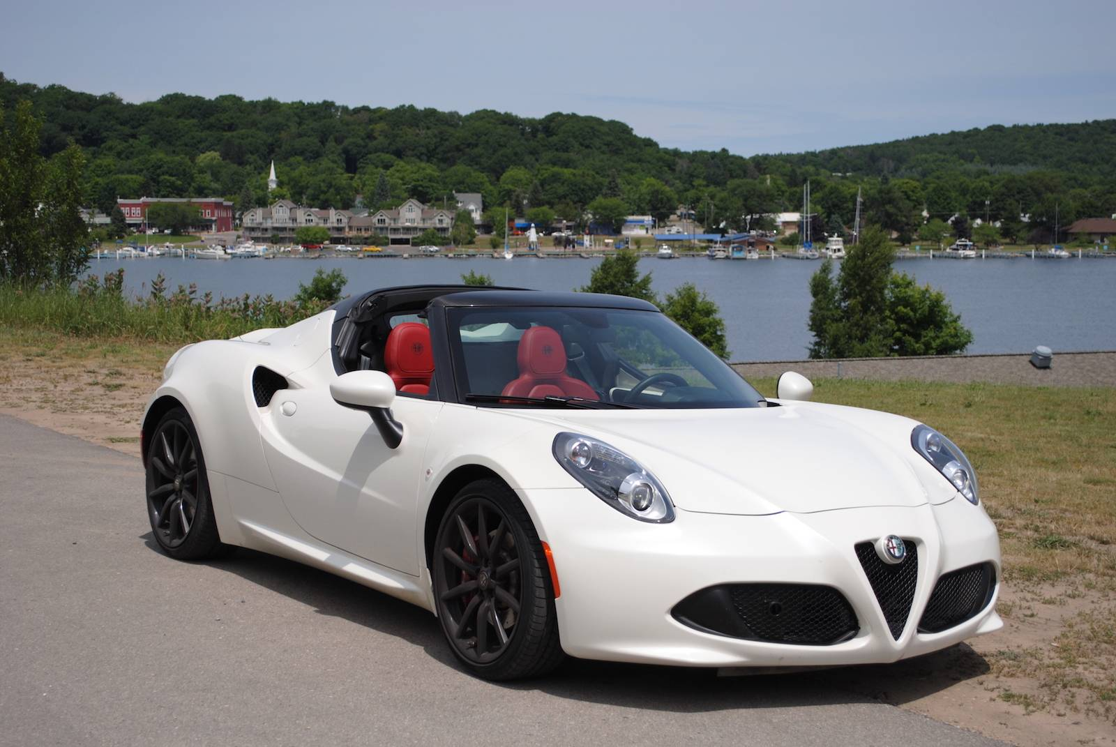 2016 alfa romeo 4c spider review gtspirit. Black Bedroom Furniture Sets. Home Design Ideas