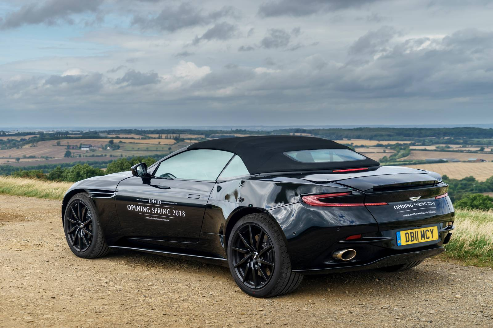 2018 Aston Martin Db11 Volante Revealed In New Photos