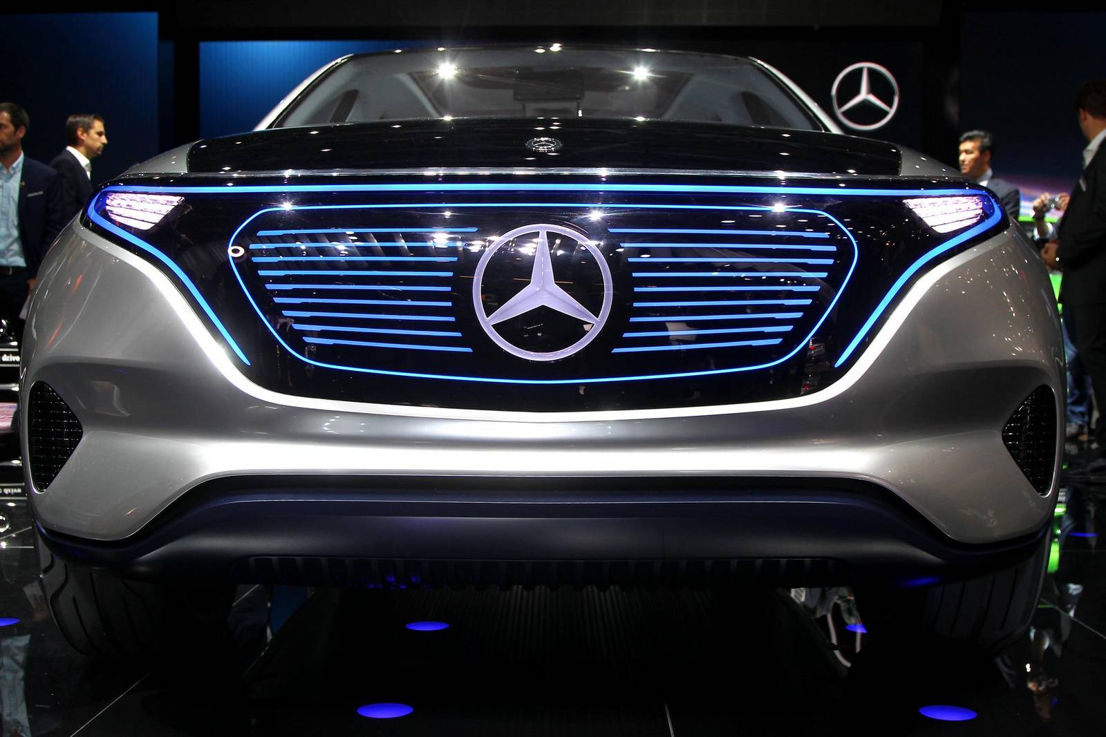 Mercedes benz at the paris motor show 2016 gtspirit for New electric mercedes benz