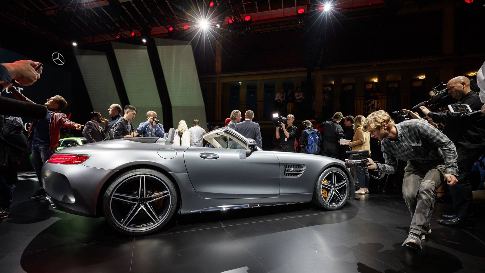 Highlights of the mercedes benz media night paris 2016 for Garage mercedes paris 13
