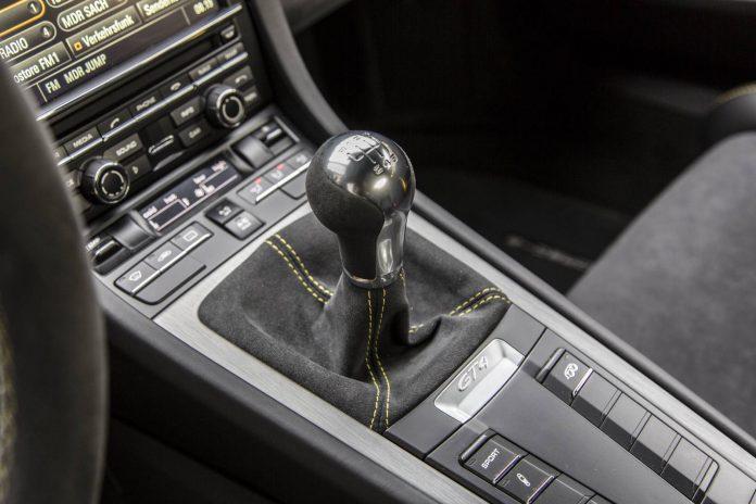 Porsche  Cayman GT4 - short-shift manual