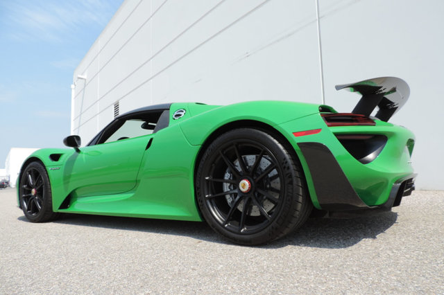 viper green porsche 918 spyder for sale at 1 999 999. Black Bedroom Furniture Sets. Home Design Ideas
