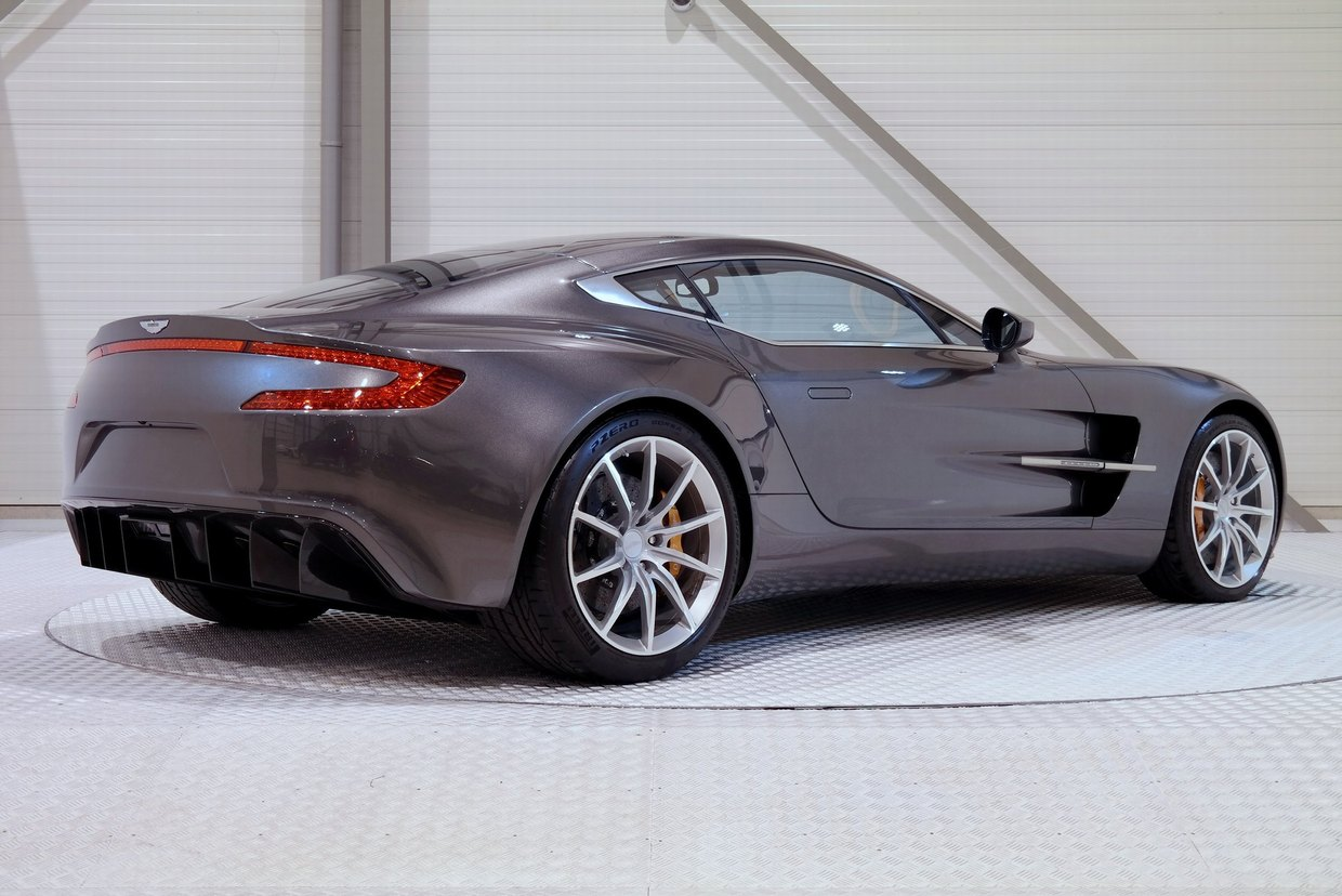 aston martin one 77 for sale at 2 1 million in holland gtspirit. Black Bedroom Furniture Sets. Home Design Ideas