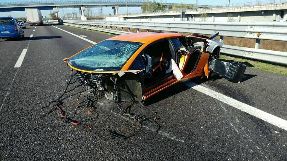 2018 lamborghini italy. interesting 2018 lamborghini aventador sv torn apart in high speed crash italy on 2018 lamborghini italy