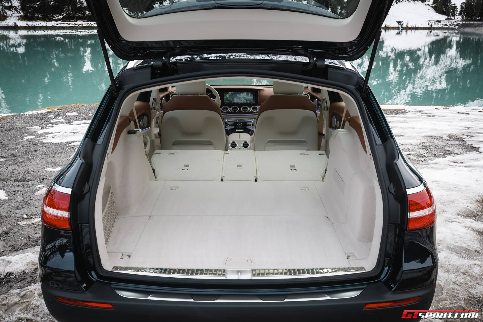 2017 mercedes benz e class all terrain review gtspirit for How to open the trunk of a mercedes benz e320