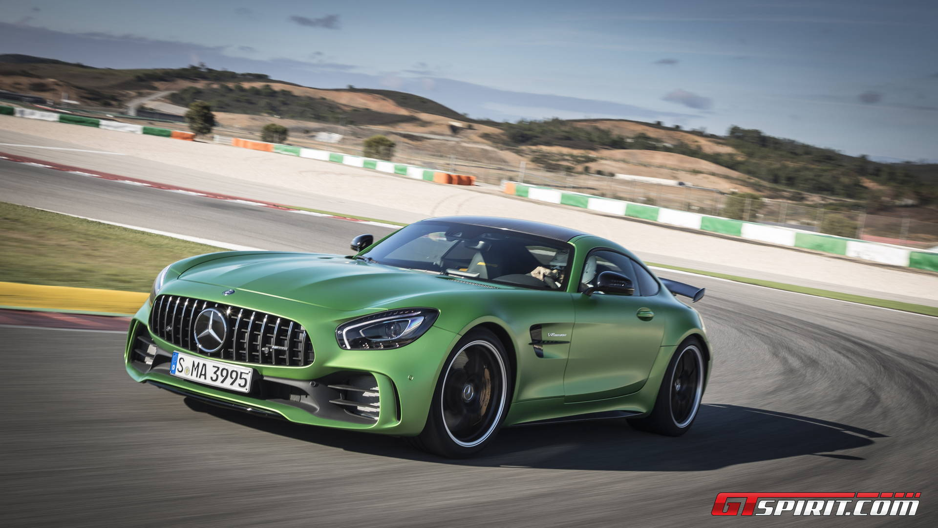 https://storage.googleapis.com/gtspirit/uploads/2017/01/Mercedes-AMG-GT-R-Race-Track-004.jpg