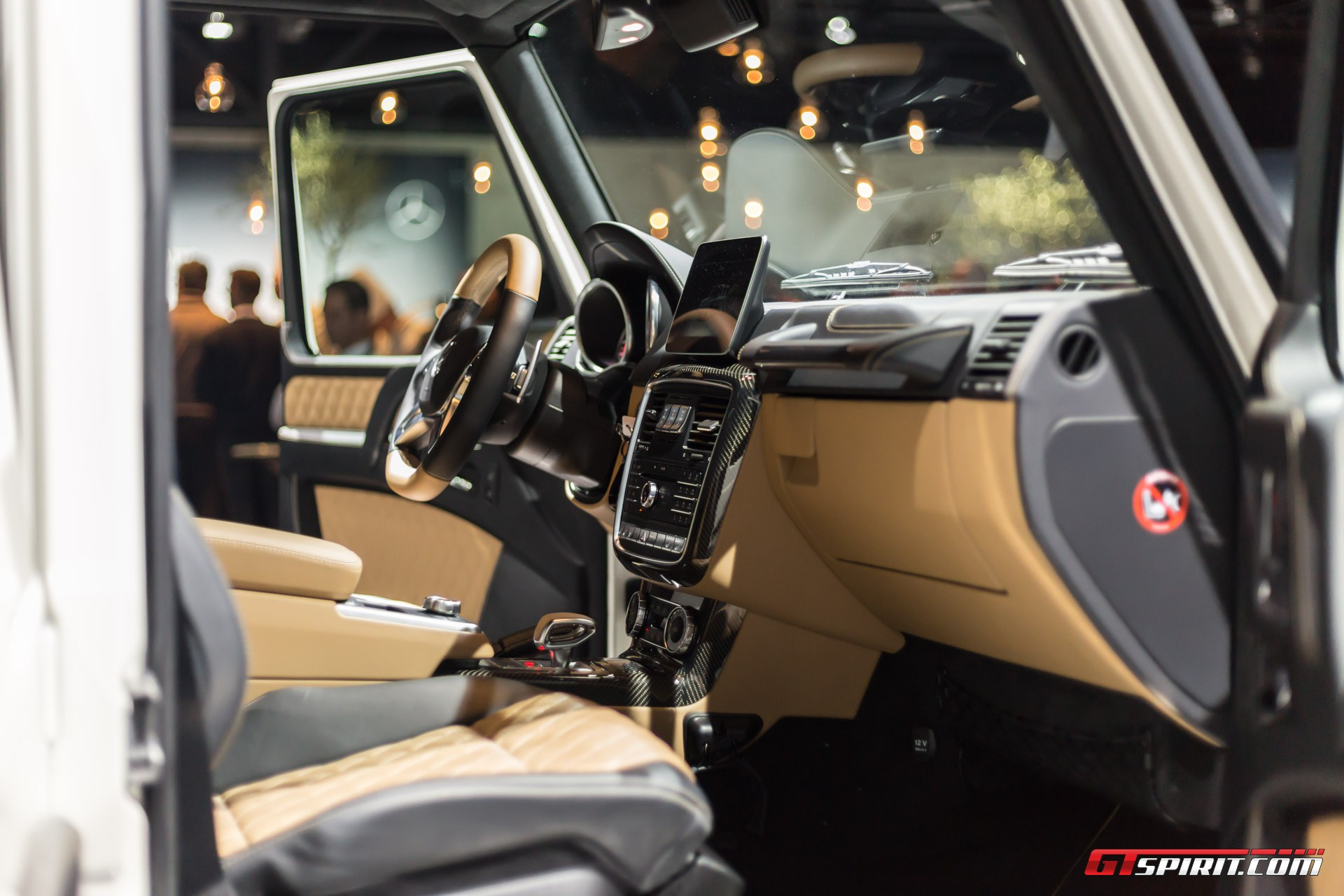 https://storage.googleapis.com/gtspirit/uploads/2017/02/Mercedes-Benz-Maybach-G650-Landaulet-Geneva-2017-8.jpg