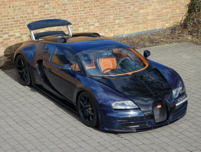 blue carbon bugatti veyron gs vitesse for sale at 2 395 000 gtspirit. Black Bedroom Furniture Sets. Home Design Ideas