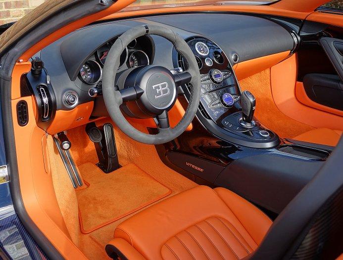 blue carbon bugatti veyron gs vitesse for sale at 2 395 000 gtspirit. Black Bedroom Furniture Sets. Home Design Ideas