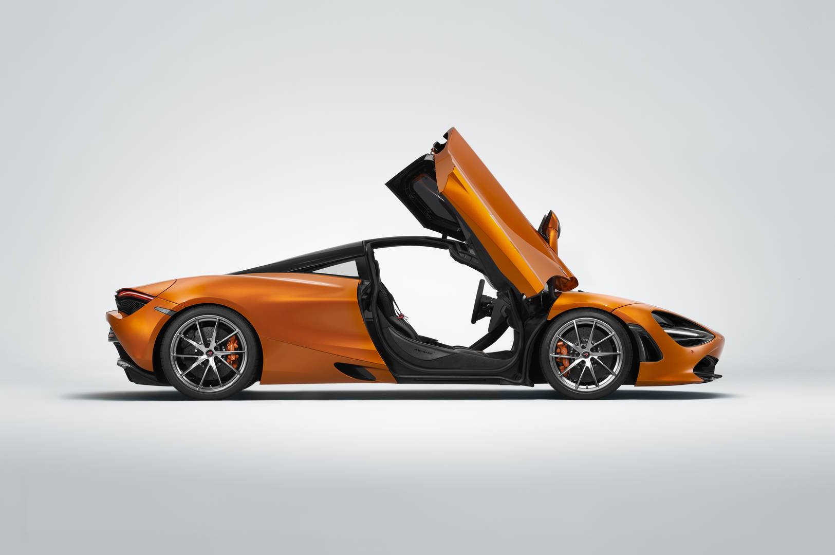 Brand New McLaren Super Series 720S Gets Unveiled