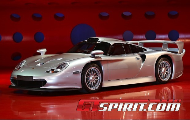 1998 porsche 911 gt1 strassenversion auctioned for 5 665 000 gtspirit. Black Bedroom Furniture Sets. Home Design Ideas