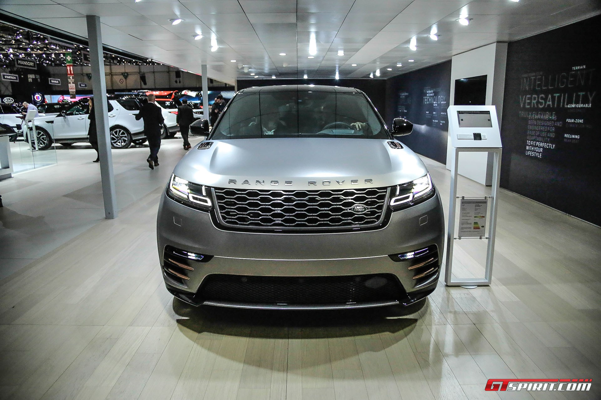 Geneva 2017 range rover velar gtspirit for Garage land rover nancy