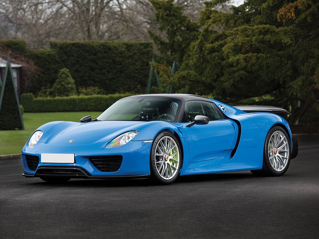 World S Only Arrow Blue Porsche 918 Spyder Heads To Auction Gtspirit