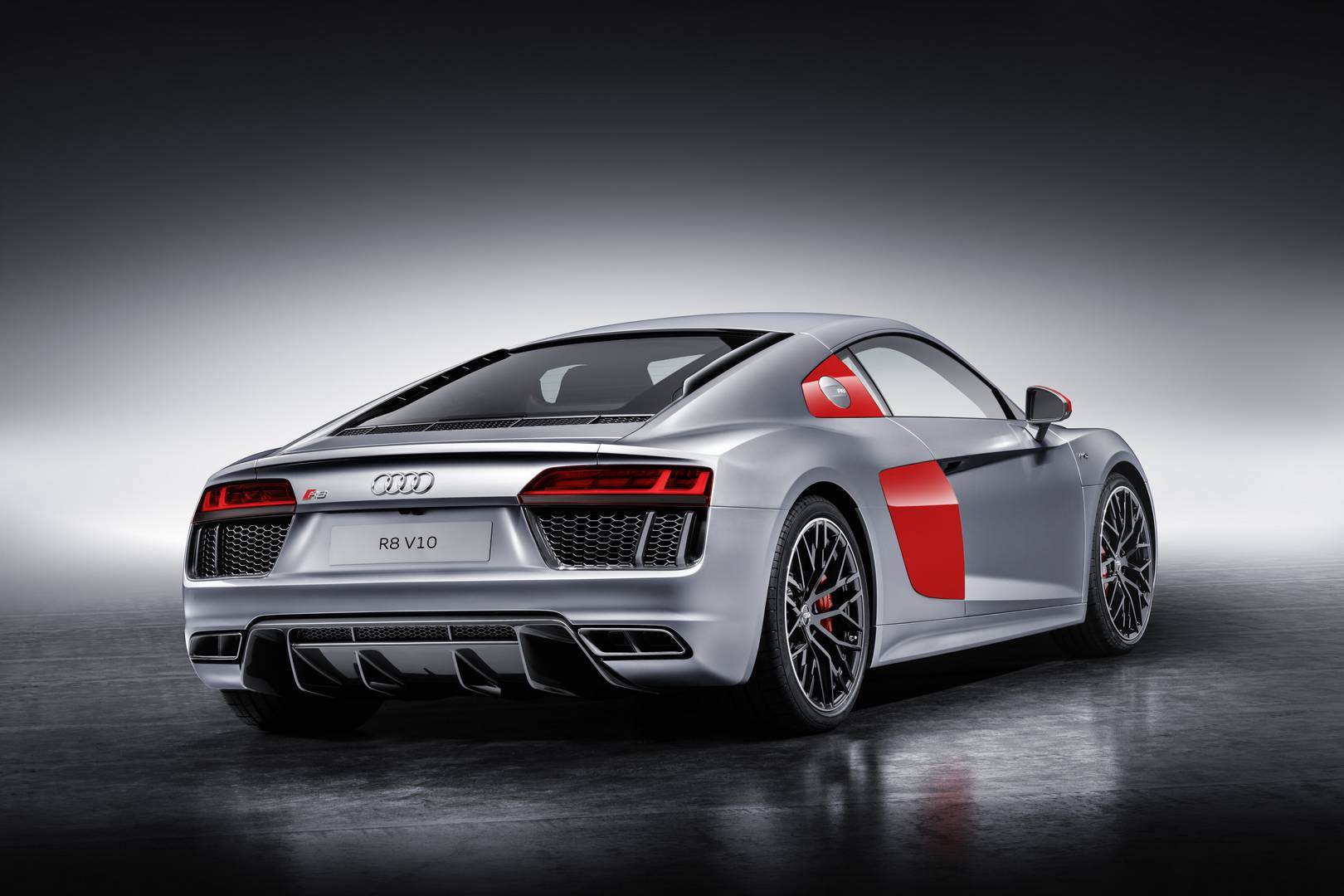 2018 audi r8 v10 plus top speed 16