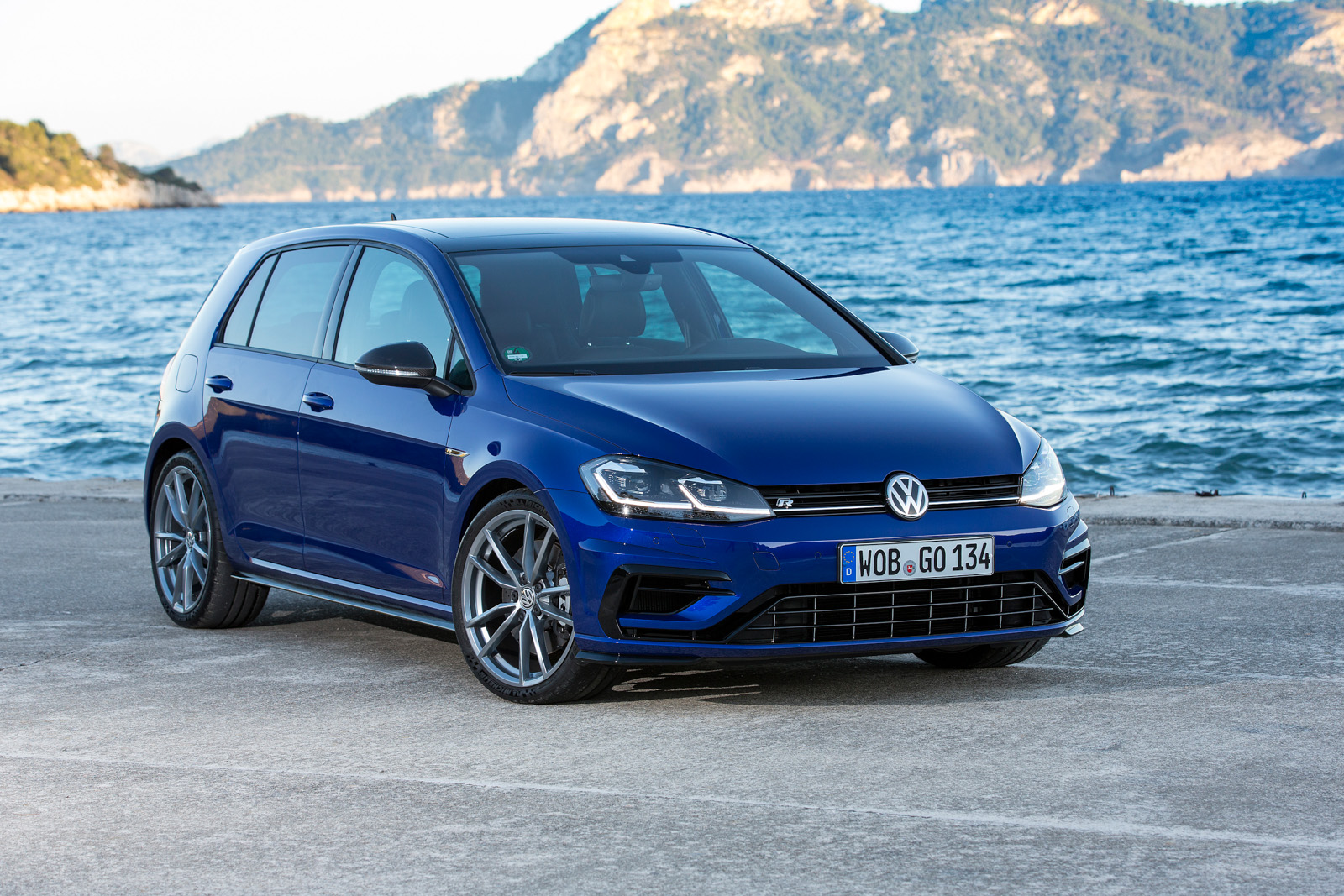 2018 Volkswagen Golf R Gte Gti And E Golf Review Gtspirit