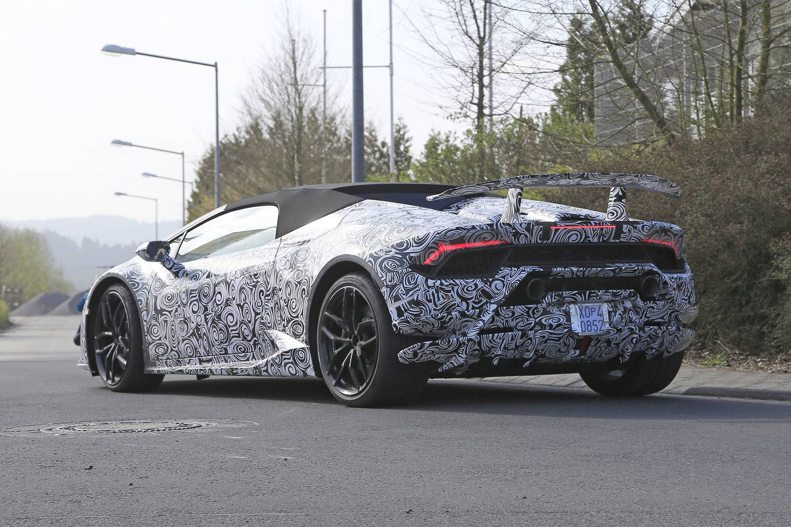 lamborghini huracan performante spyder latest spy shots gtspirit. Black Bedroom Furniture Sets. Home Design Ideas