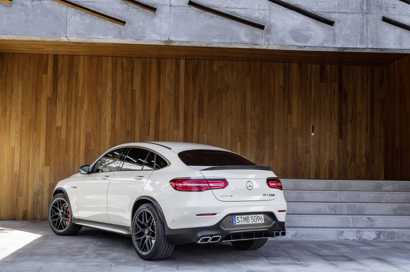official 2018 mercedes amg glc 63 and glc 63 coupe gtspirit