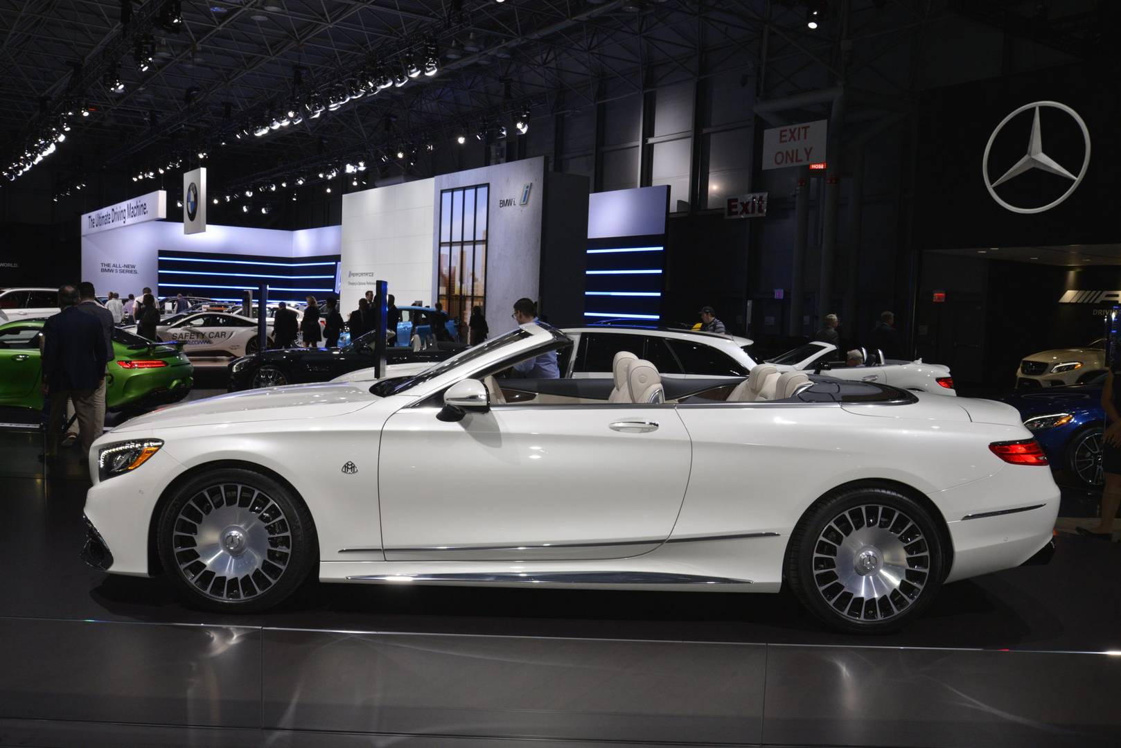 New york 2017 mercedes benz highlights gtspirit for Mercedes benz maybach cabriolet