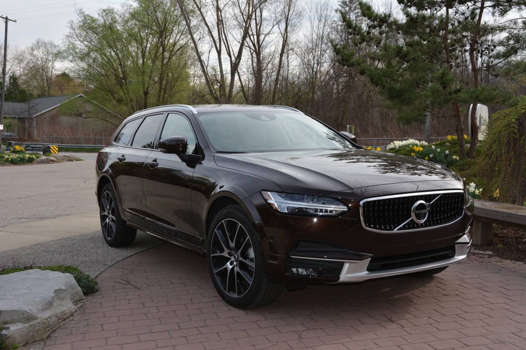 2017 volvo v90 cross country awd review gtspirit. Black Bedroom Furniture Sets. Home Design Ideas