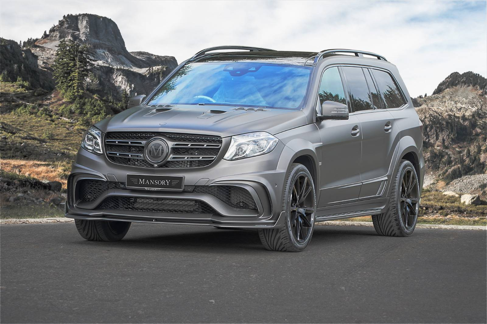 official 840hp mercedes amg gls 63 by mansory gtspirit. Black Bedroom Furniture Sets. Home Design Ideas