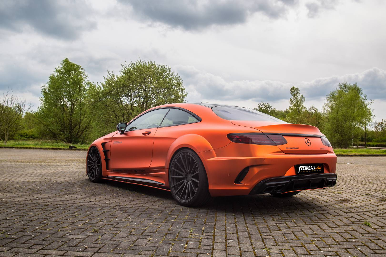 740hp orange chrome matt mercedes amg s63 by gtspirit. Black Bedroom Furniture Sets. Home Design Ideas