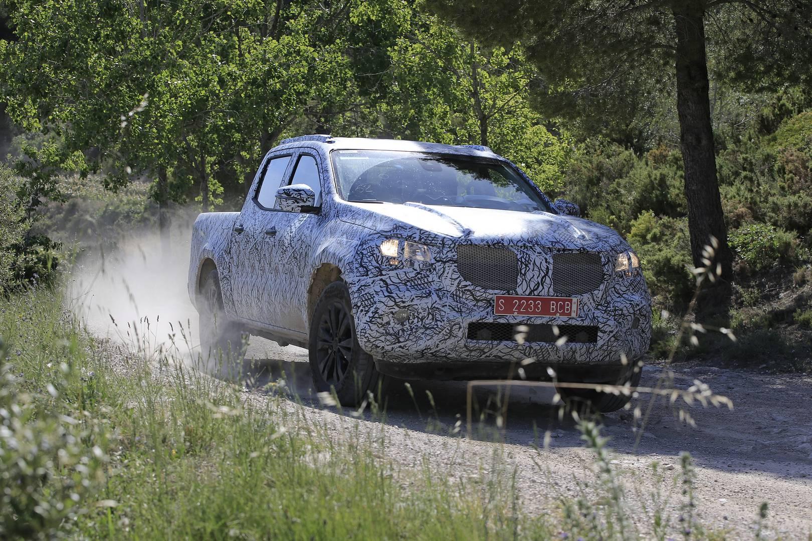 Mercedes benz x class off road spy shots gtspirit for Mercedes benz cleveland area