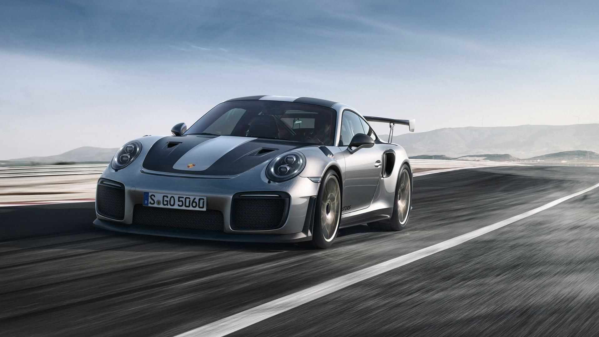 Porsche 911 GT2 RS is a street-legal 700-hp animal
