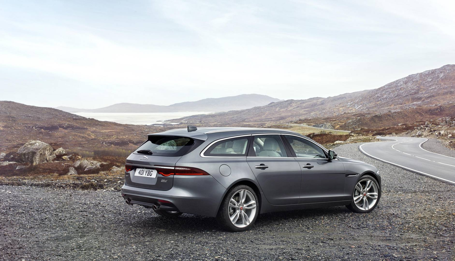 official 2018 jaguar xf sportbrake gtspirit. Black Bedroom Furniture Sets. Home Design Ideas