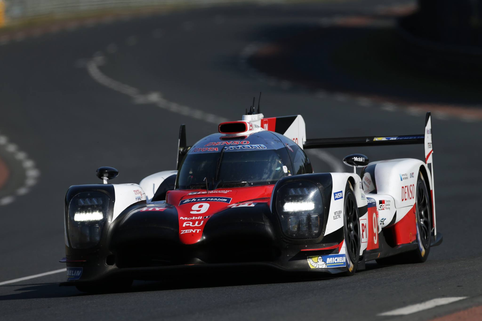 Toyota locks out front row at 2017 Le Mans qualifying