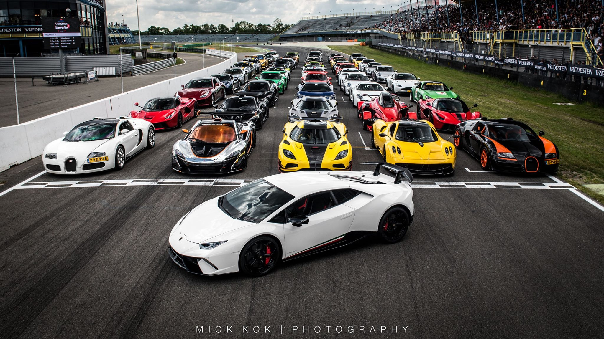 Supercars Lineup The Most Amazing Supercar Line Up You