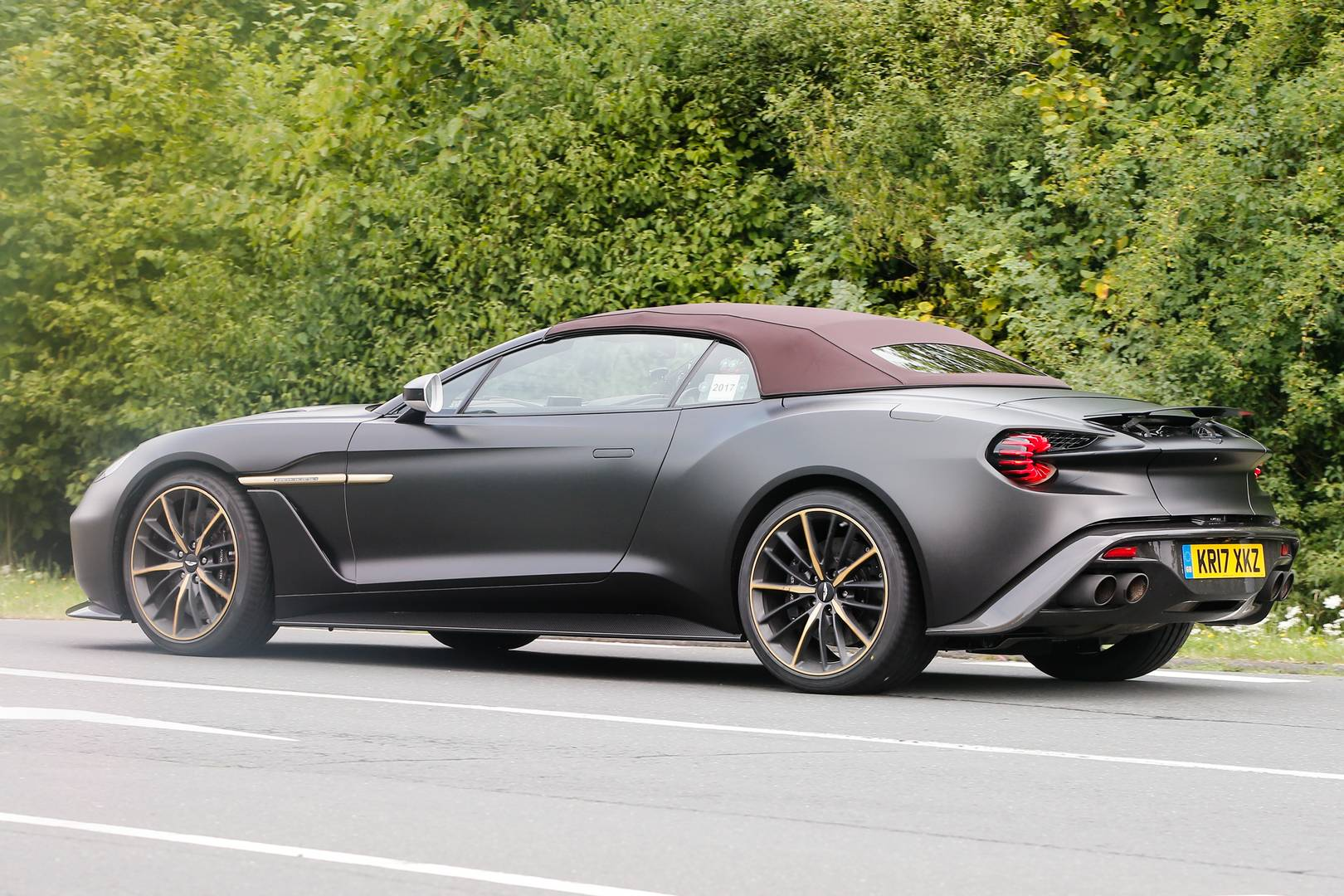 zagato aston martin vanquish volante and speedster spied together gtspirit. Black Bedroom Furniture Sets. Home Design Ideas