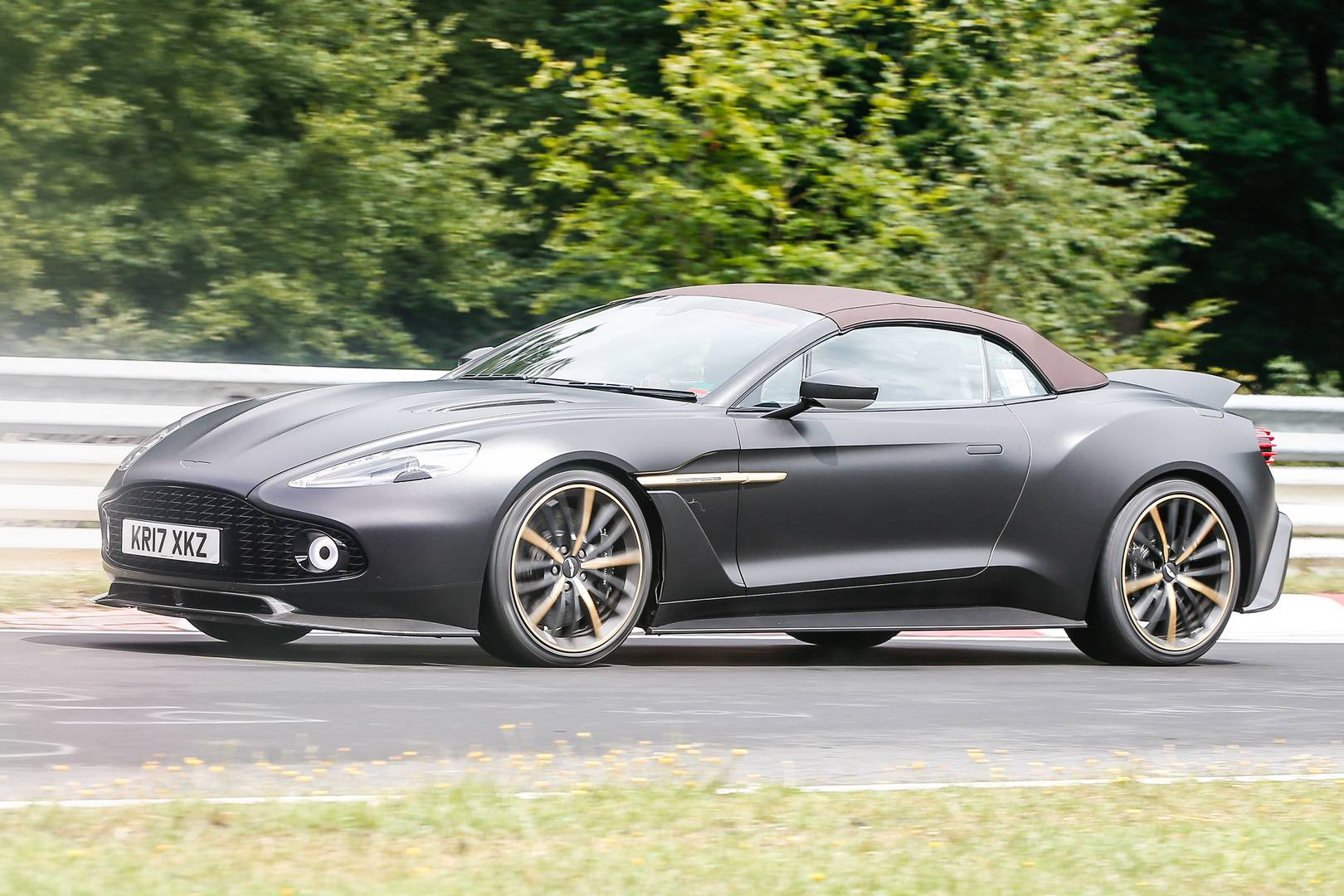 zagato aston martin vanquish volante and speedster spied. Black Bedroom Furniture Sets. Home Design Ideas