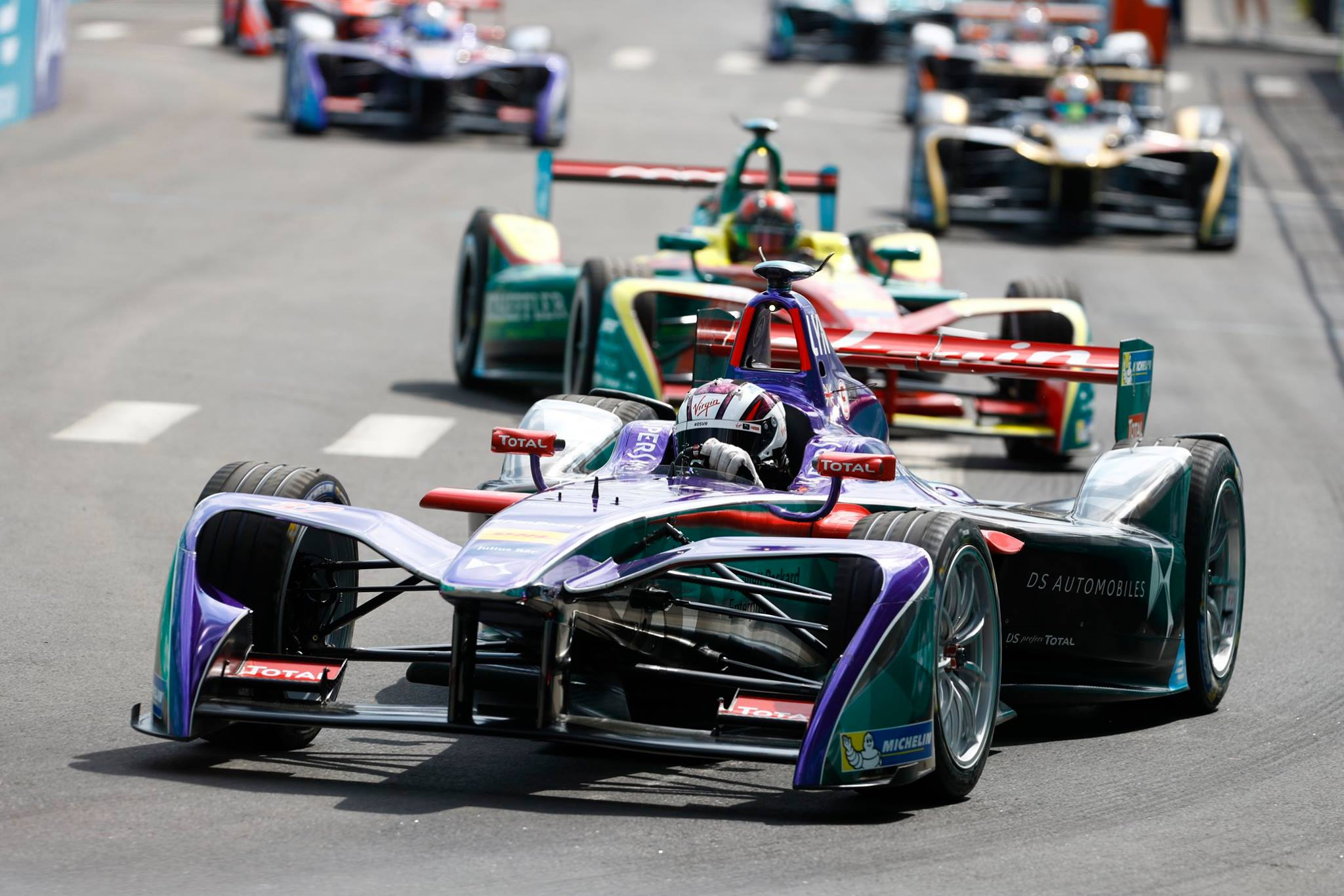 formula e sam bird wins first race ever held in new york gtspirit. Black Bedroom Furniture Sets. Home Design Ideas