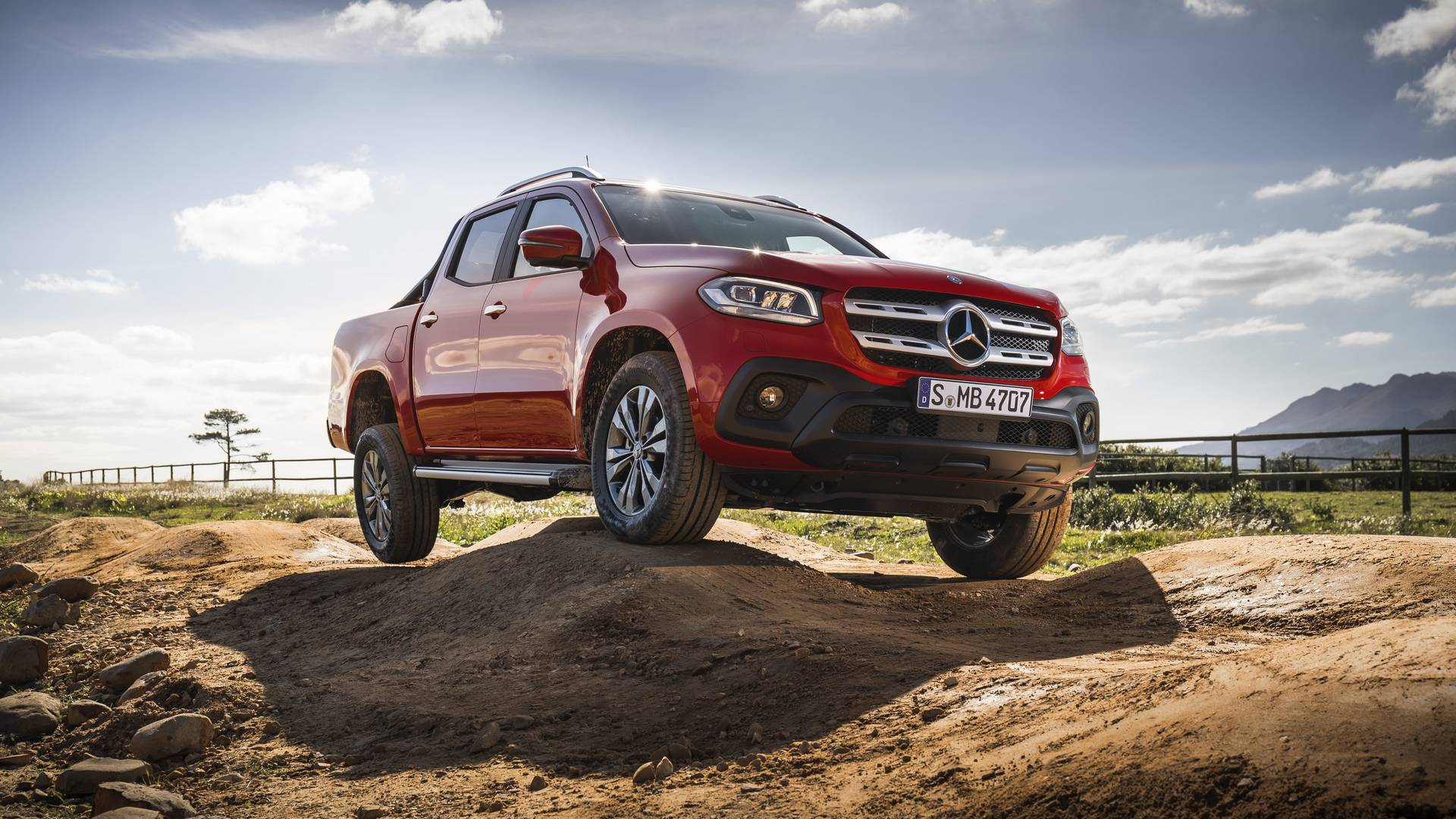 2018 mercedes benz x class first impression gtspirit for What are the different classes of mercedes benz