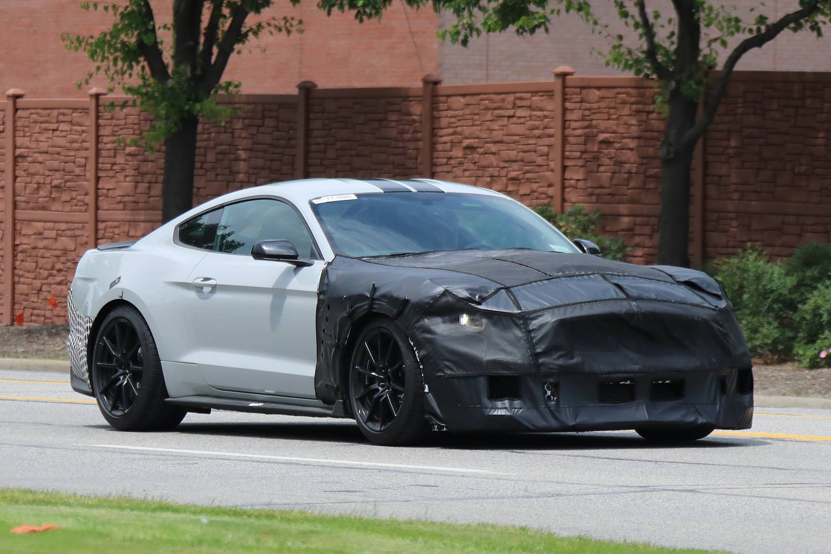 2019 ford mustang shelby gt500 spy shots emerge gtspirit. Black Bedroom Furniture Sets. Home Design Ideas