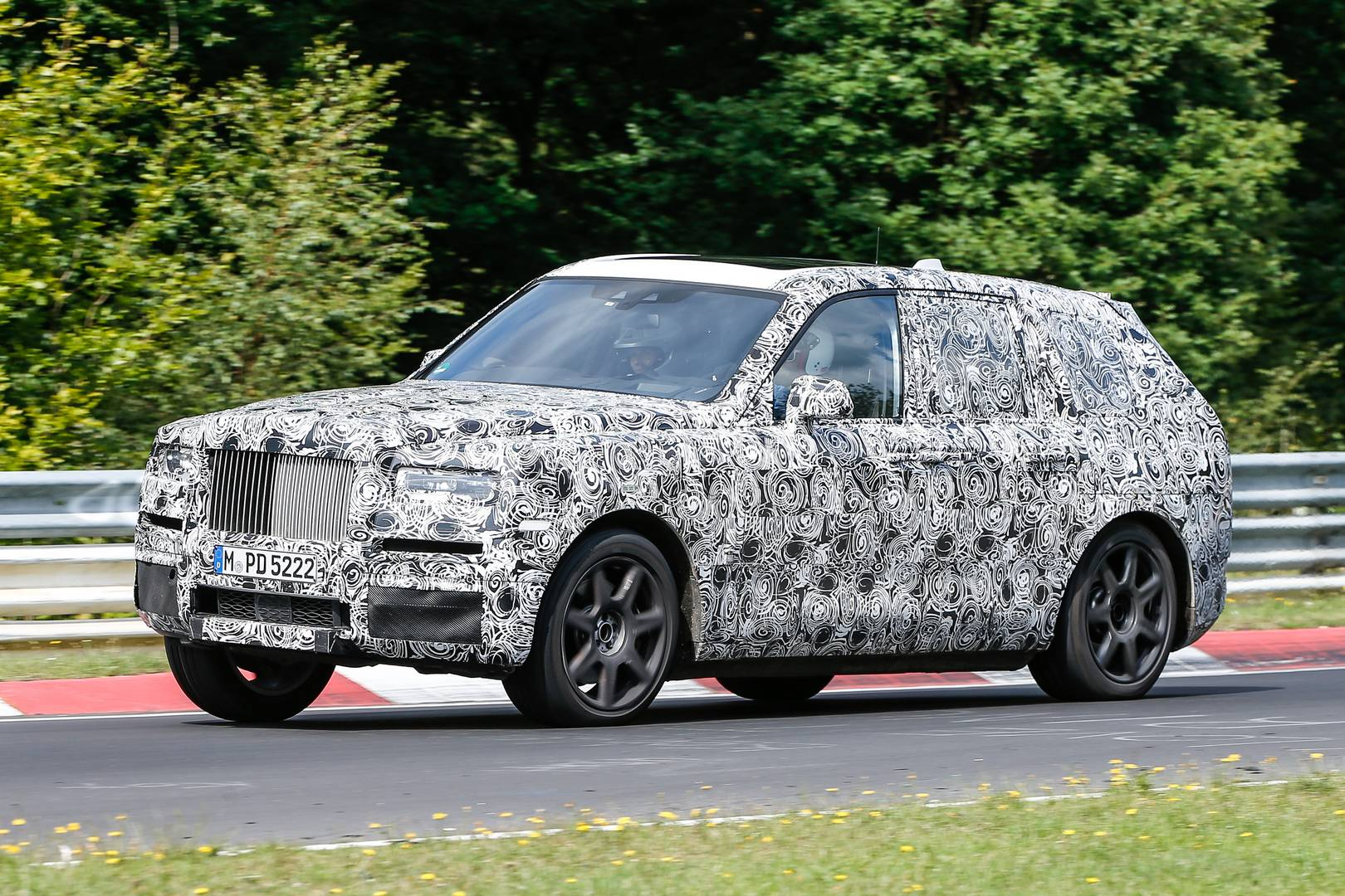 rolls royce cullinan suv hits the nurburgring gtspirit. Black Bedroom Furniture Sets. Home Design Ideas