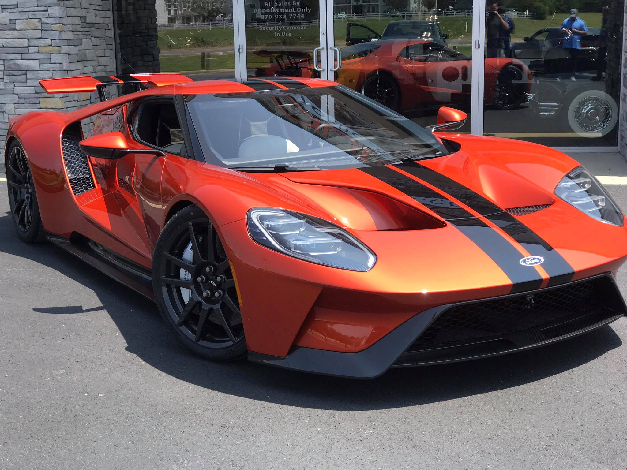 two unique 2017 ford gts delivered beryllium orange atlas green gtspirit. Black Bedroom Furniture Sets. Home Design Ideas
