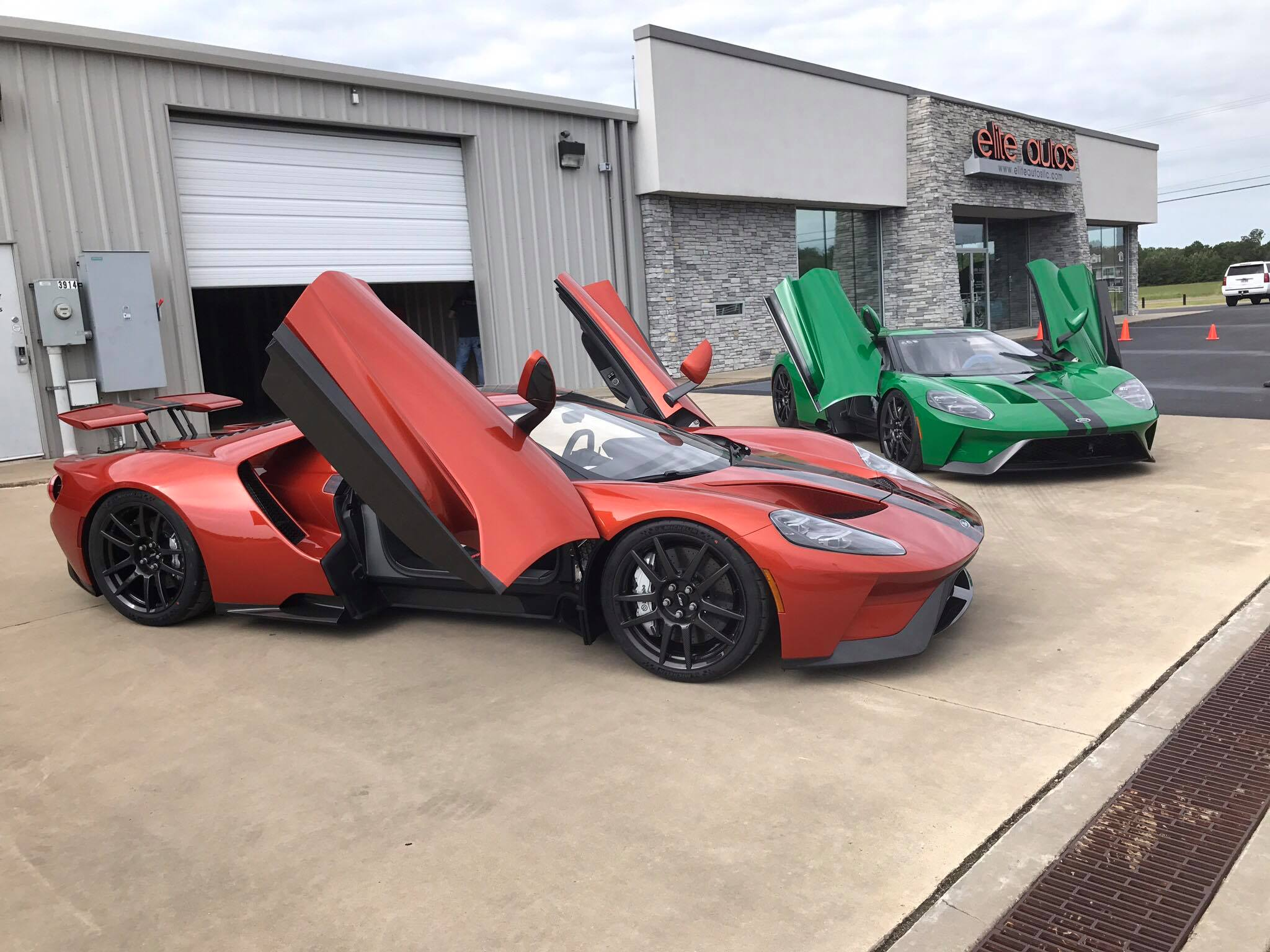 Two Unique 2017 Ford GTs Delivered – Beryllium Orange & Atlas Green