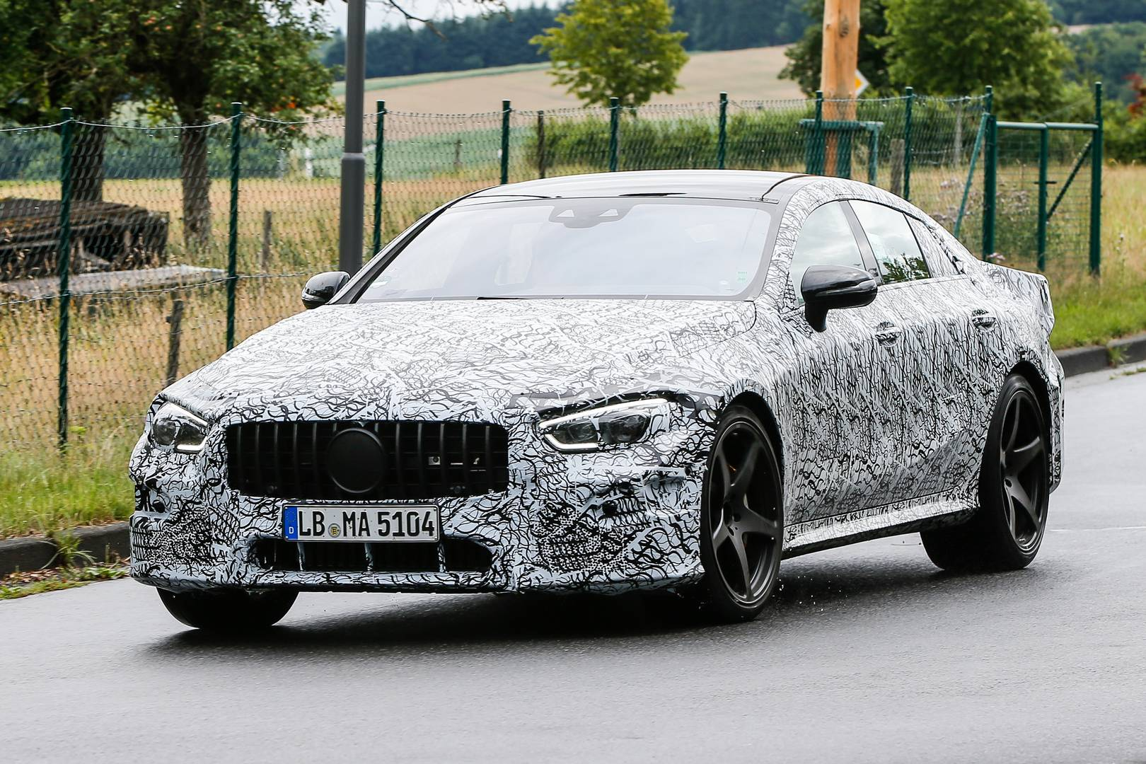Mercedes amg gt 4 door latest spy shots gtspirit for Mercedes benz 4 door