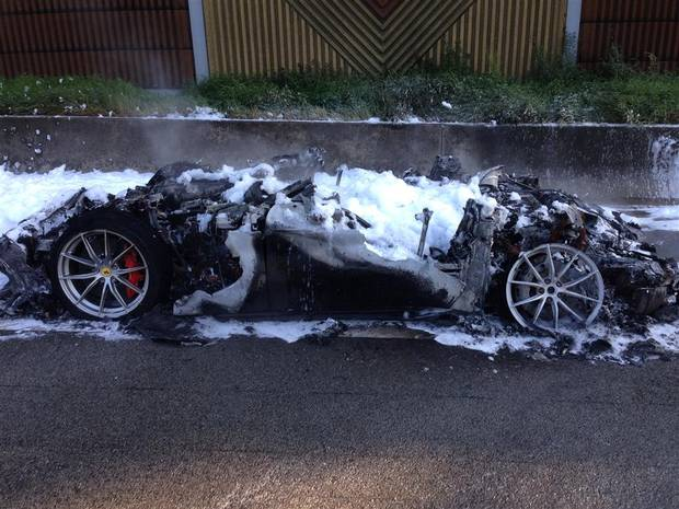 1 of 799 Ferrari F12tdf Burns to Ashes on the Autobahn