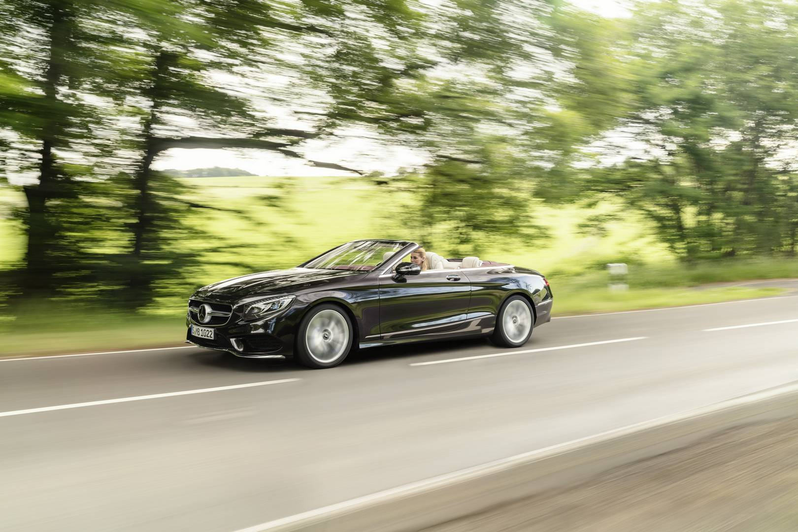 Official 2018 mercedes benz s class coupe and cabriolet for Mercedes benz g cabriolet