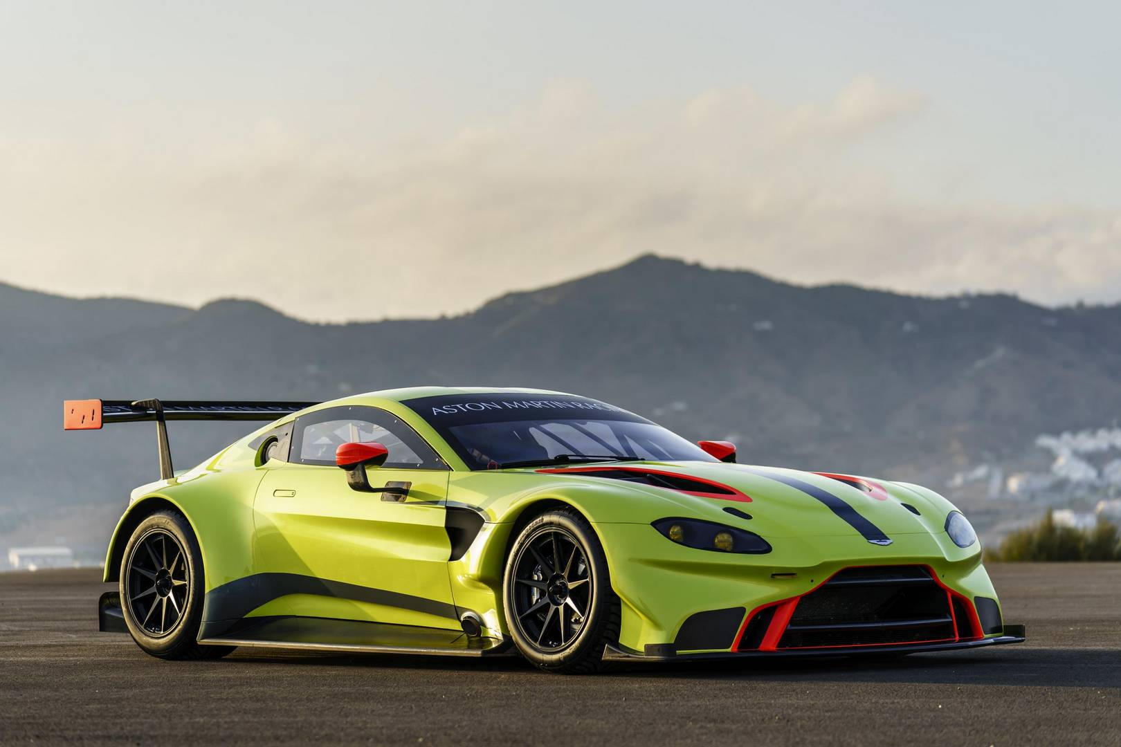 aston martin vantage 2018 side view. 2018 Aston Martin Vantage GTE. Supercar Side View