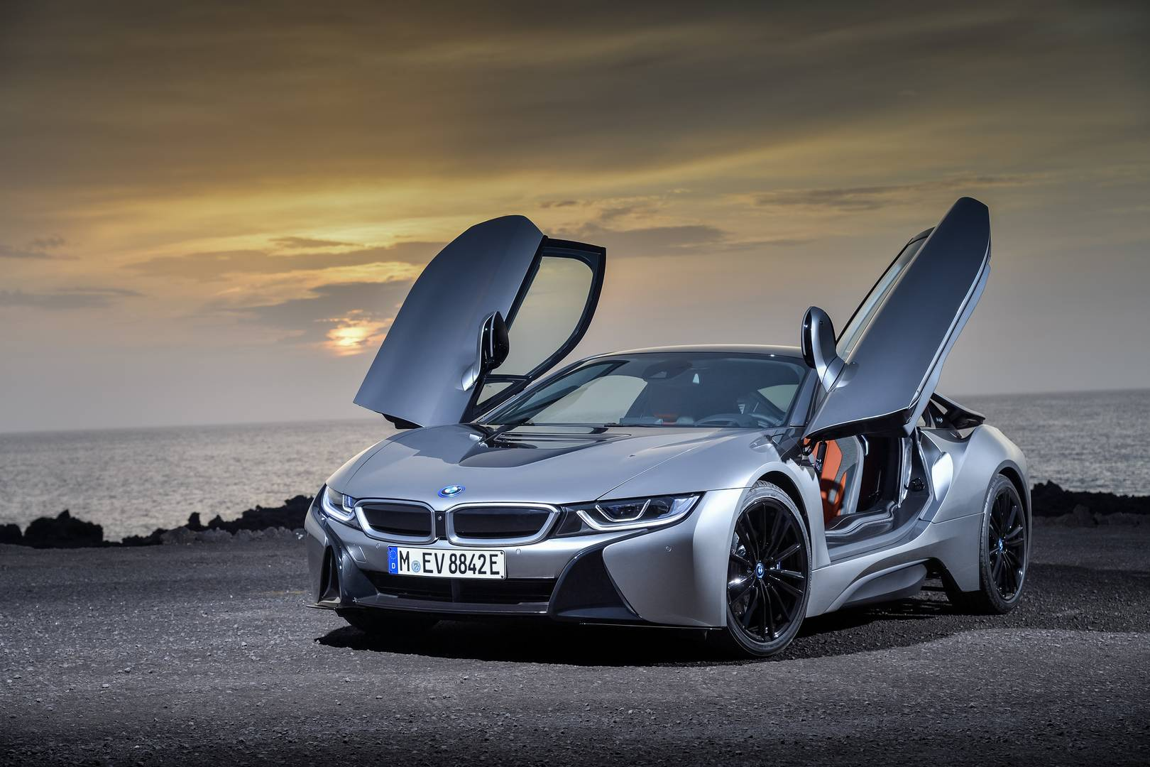 Hybrid BMW M Supercar Coming in 2023 with 700hp+